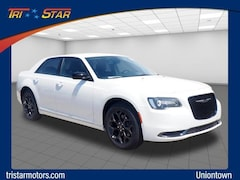 New 2019 Chrysler 300 TOURING AWD Sedan Uniontown, PA