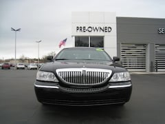 Used 2010 Lincoln Town Car Signature Limited Signature Limited  Sedan