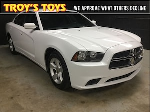 2013 Dodge Charger SE Super Clean - **Low KMs**