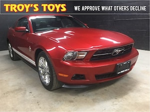 2011 Ford Mustang V6 - **Clean CarProof & Low KMs**