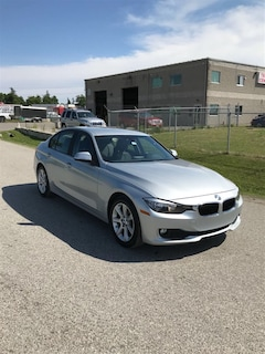 2014 BMW 3 Series 320i xDrive/ AWD / HEATED SEATS / CLEAN CAR Sedan