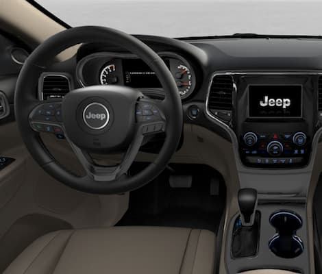The dashboard of the 2019 Jeep Grand Cherokee