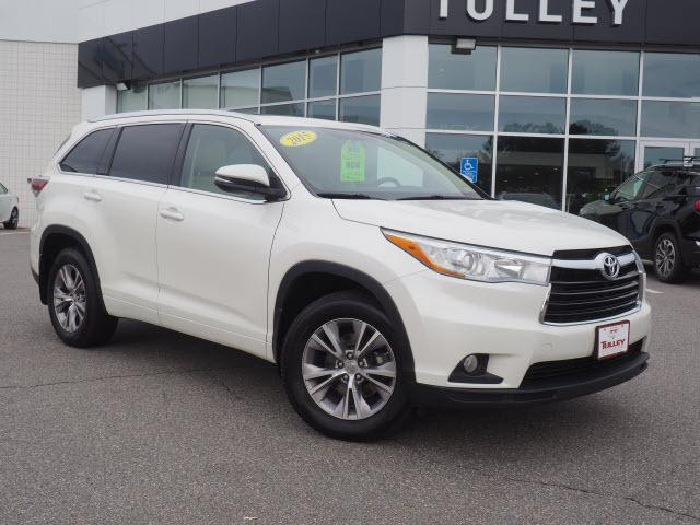 Used 2015 Toyota Highlander XLE V6 SUV Near Nashua, NH