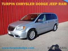 2012 Chrysler Town & Country Touring-L Minivan/Van