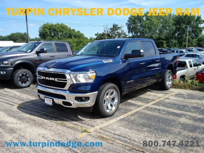 new 2019 Ram 1500 BIG HORN / LONE STAR CREW CAB 4X4 5'7 BOX Crew Cab in Dubuque IA