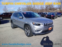 Used 2019 Jeep Cherokee Limited SUV for sale in Dubuque, IA.