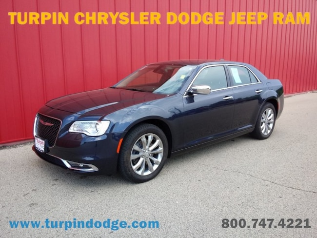 used 2016 Chrysler 300 300C Sedan in dubuque IA