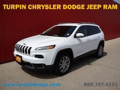 Used 2018 Jeep Cherokee Limited SUV for sale in Dubuque, IA.