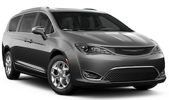 New 2019 Chrysler Pacifica LIMITED Passenger Van Irvine