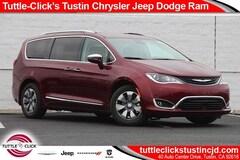 New 2018 Chrysler Pacifica Hybrid LIMITED Passenger Van in Tustin, CA