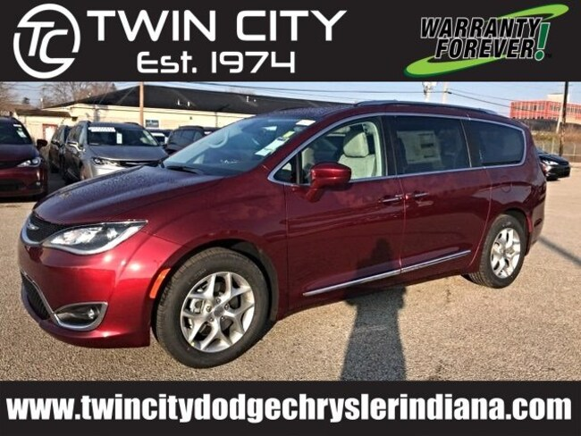 2019 Chrysler Pacifica TOURING L PLUS Passenger Van Lafayette IN