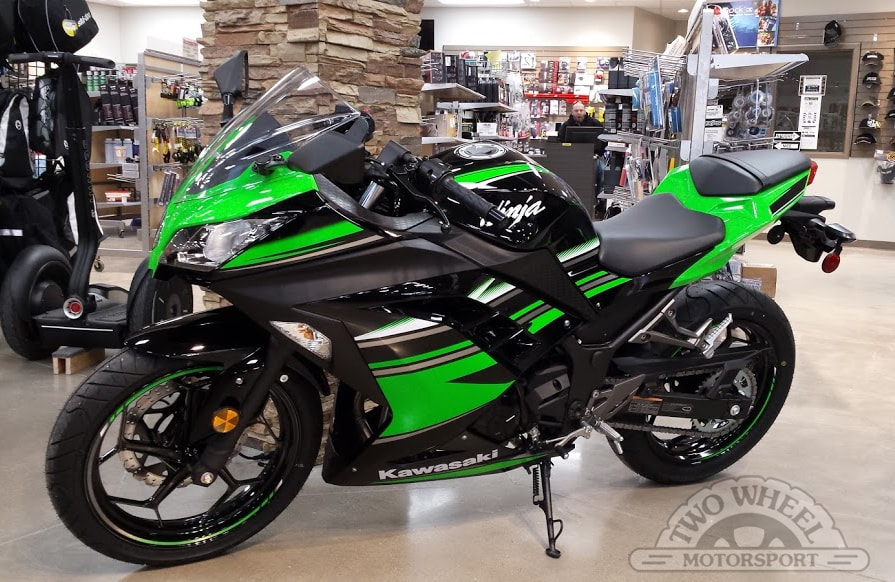 new 2016 kawasaki ninja 300 for sale guelph on. Black Bedroom Furniture Sets. Home Design Ideas