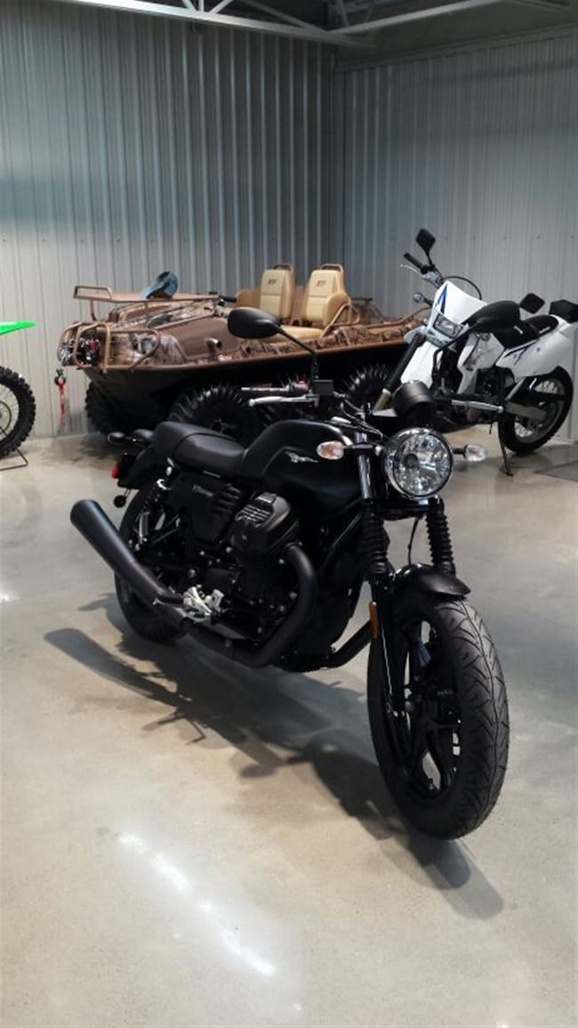 new 2017 moto guzzi v7 iii stone for sale at two wheel motorsport vin item vin. Black Bedroom Furniture Sets. Home Design Ideas