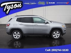 Used 2018 Jeep Compass Latitude FWD SUV for sale in Shorewood, IL