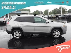 New 2019 Jeep Cherokee Latitude FWD SUV for sale in Shorewood, IL