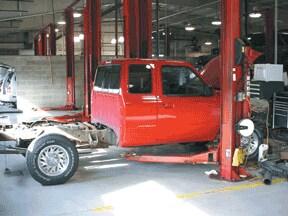 auto body repair collision center in peoria subaru body shop. Black Bedroom Furniture Sets. Home Design Ideas