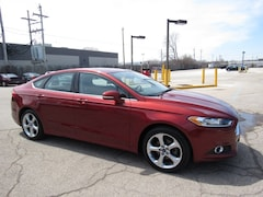 Bargain used luxury vehicles 2014 Ford Fusion SE Sedan for sale near you in Milwaukee, WI