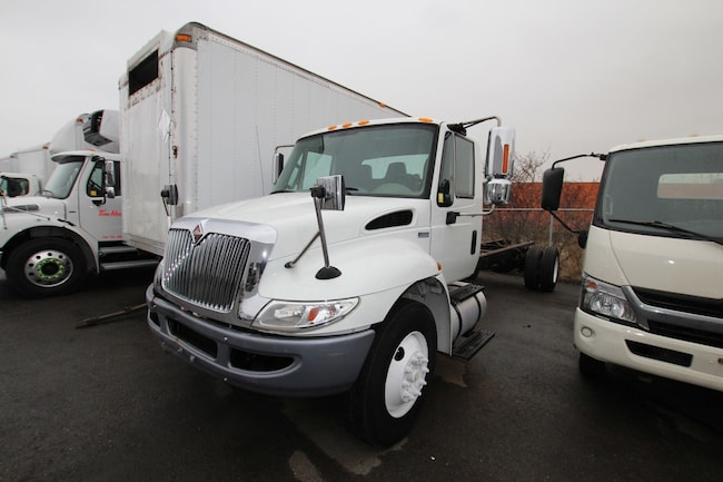 2013 INTERNATIONAL 4300 suitable for  26 FT