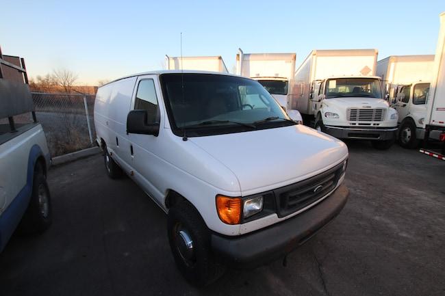 2006 Ford E-350 Super Duty Commercial Van Extended Cargo Van