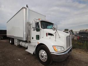 2013 KENWORTH T370 24FT DRY FREIGHT  WITH TGATE DYNAMIC_PREF_LABEL_INDEX_INVENTORY_FEATURED1_ALTATTRIBUTEAFTER