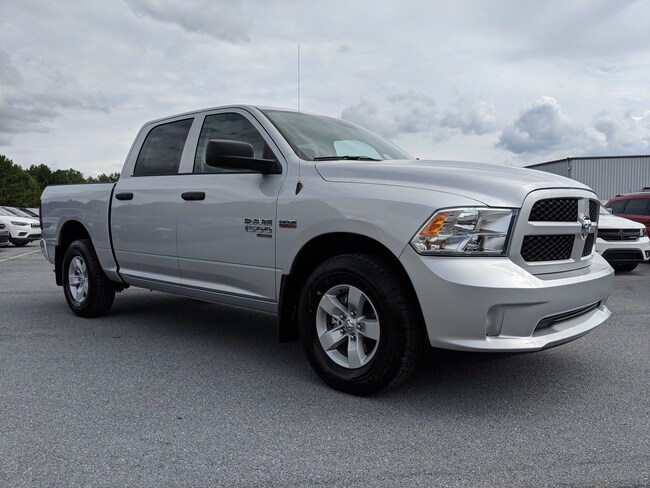 2019 Ram 1500 CLASSIC EXPRESS CREW CAB 4X2 5'7 BOX Crew Cab DYNAMIC_PREF_LABEL_AUTO_NEW_DETAILS_INVENTORY_DETAIL1_ALTATTRIBUTEAFTER