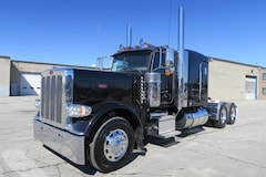 2018 PETERBILT 389 - LOW KMS, FLAT ROOF, LONG HOOD