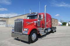 2015 KENWORTH W900B - BIG RED! MINT CONDITION & READY TO ROLL