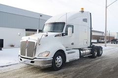 2015 KENWORTH T680  - EXTRA CLEAN W/ SUPER 40K
