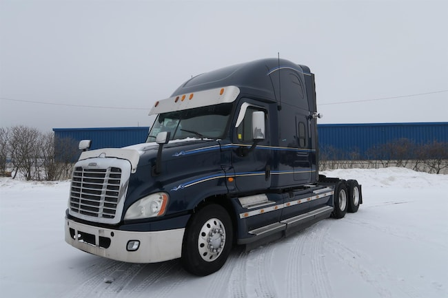2014 FREIGHTLINER Cascadia  - BIG POWER & EXTRA CLEAN