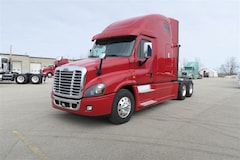 2016 FREIGHTLINER Cascadia - BIG RED IN MINT CONDITION!