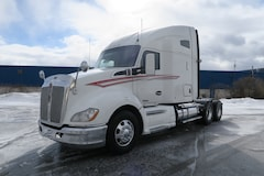2015 KENWORTH T680 - EXTRA CLEAN, WARRANTY AVAILABLE