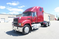 2006 MACK CH 613  - PRICED TO SELL - AS IS