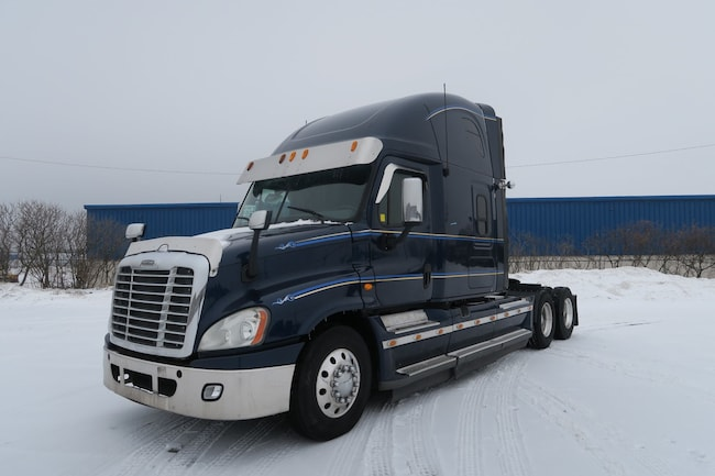 2013 FREIGHTLINER Cascadia - FULL SERVICE RECORDS & EXTRA CLEAN