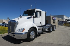 2014 KENWORTH T680  - MINT CONDITION, LOW KM DAYCAB
