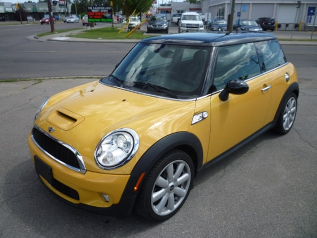 2007 MINI Cooper S SPORTS PACKAGE/PANO ROOF/ALLOYS/LOW KMS! Hatchback