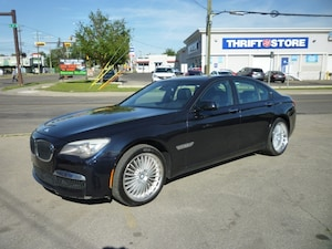 2010 BMW 750 i xDrive NAVI/HEADS UP/ BACK UP CAM/M SPORT