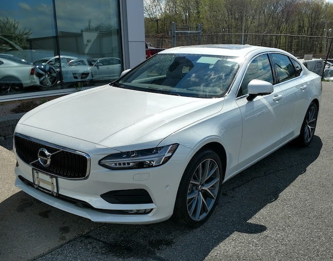 New 2017 Volvo S90 T6 AWD Momentum Sedan in Watertown, CT