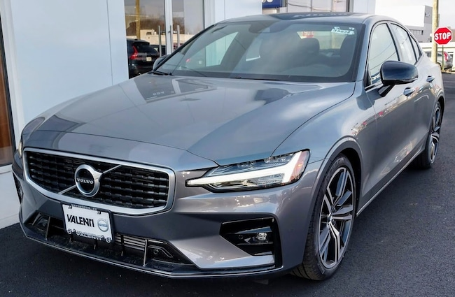 New 2019 Volvo S60 T6 R-Design Sedan Watertown CT