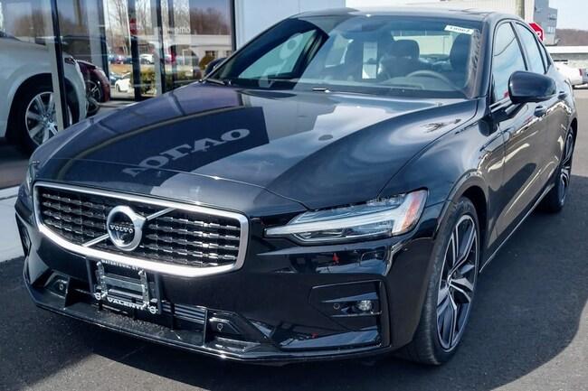 New 2019 Volvo S60 T6 R-Design Sedan Watertown CT