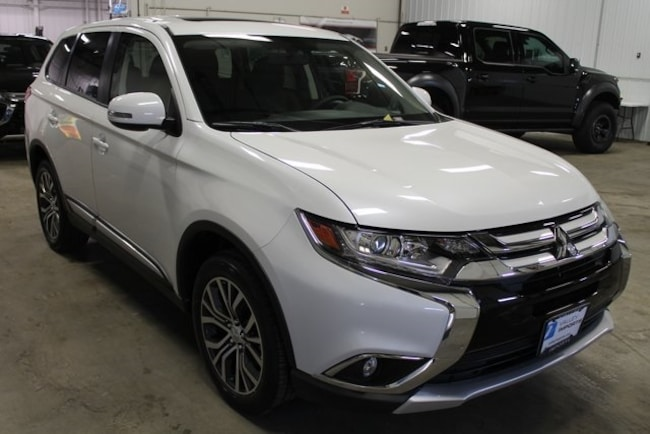 New 2018 Mitsubishi Outlander SE CUV for sale in Fargo