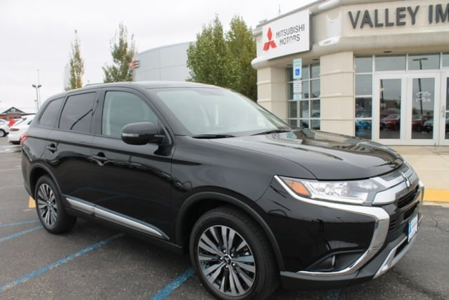New 2019 Mitsubishi Outlander SE CUV for sale in Fargo