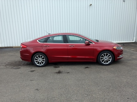Featured used 2017 Ford Fusion SE Sedan for sale in Fredonia, NY