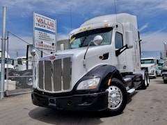 2014 PETERBILT 579 | AUTO | LOW KMS