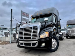2013 FREIGHTLINER Cascadia LOW KMS | DD15 | 13 Manual
