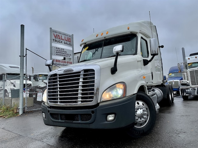 Used 2012 FREIGHTLINER Cascadia For Sale at VALUE
