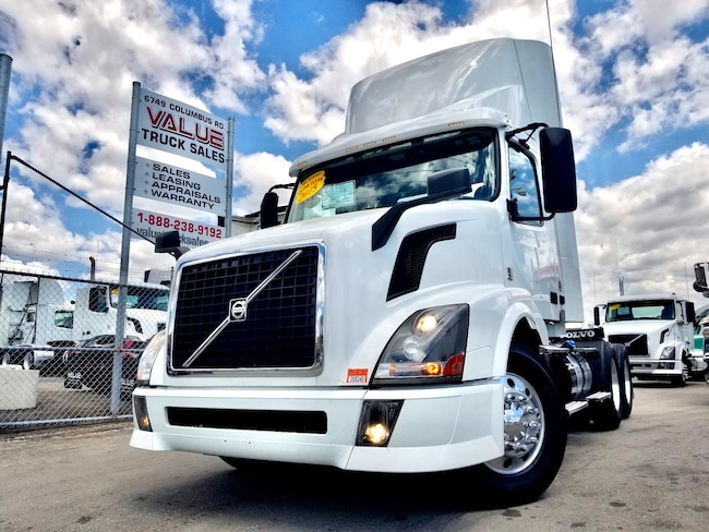 2015 VOLVO VNL300 Low Kms I-Shift
