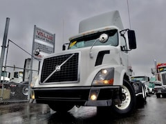 2012 VOLVO VNL300 Day Cab Low Kms