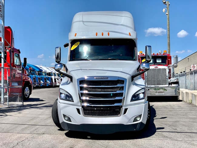 Used 2018 FREIGHTLINER Cascadia Evolution For Sale at VALUE TRUCK