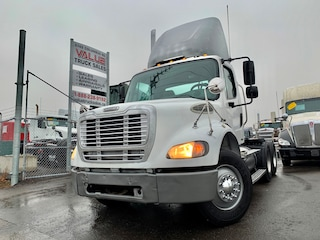 2005 FREIGHTLINER BUSINESS CLASS M2 112 Day Cab