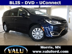 New Chrysler, Dodge, Jeep, Ram & Ford 2018 Chrysler Pacifica Touring Plus Van for sale in Morris, MN